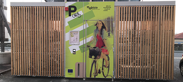 Abri à vélos en gare de Mâcon